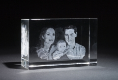 3d Crystal - 3d engraving of family.jpg
